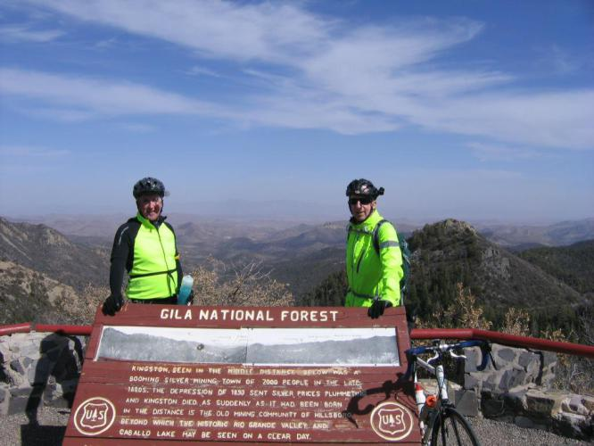 Emory Pass vista is a few hundred feet off the main road.