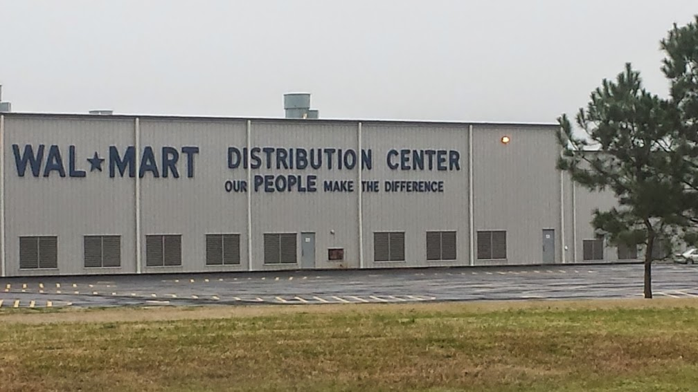 Wall Mart Distribution Center near I-49 and LA 763. Every single town we have been in on this leg has its very own Wall Mart!