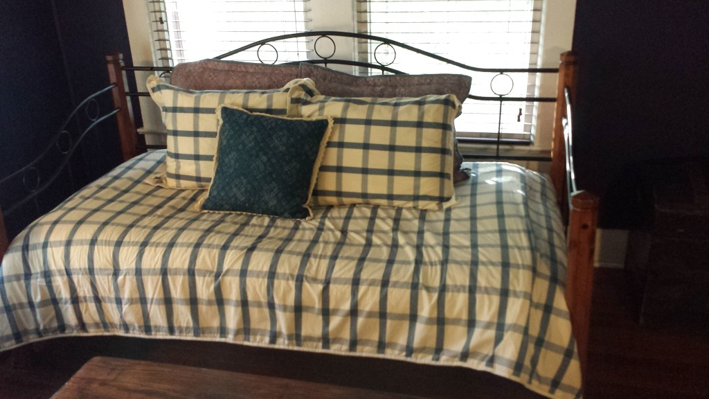 Photo of the duvet in the sitting room attached to my bedroom at the Grady House B&B.